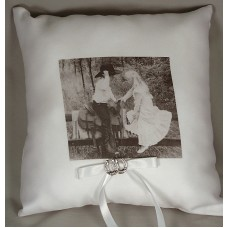 Western Affection Ring Pillow